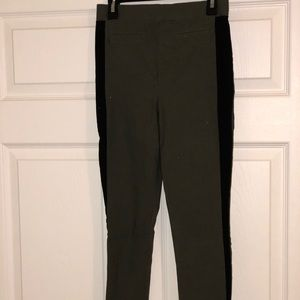 Fitted ankle pant